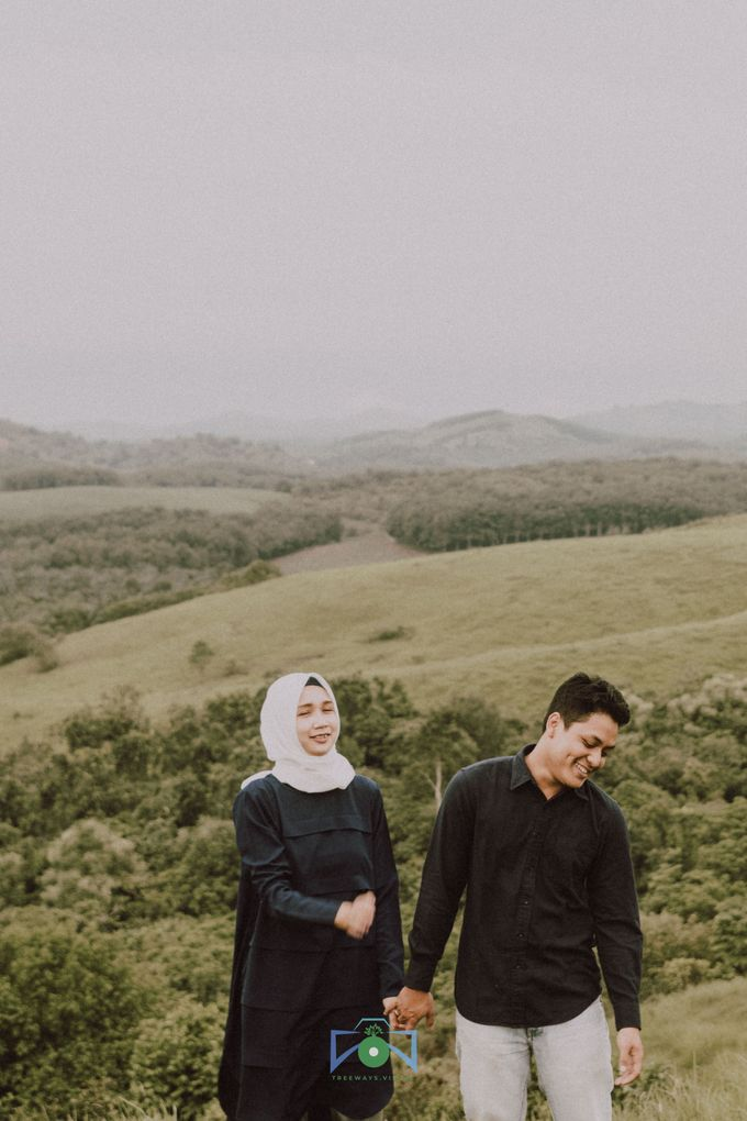 Bayu & Dyni Post-Wedding by treeways.visual - 003