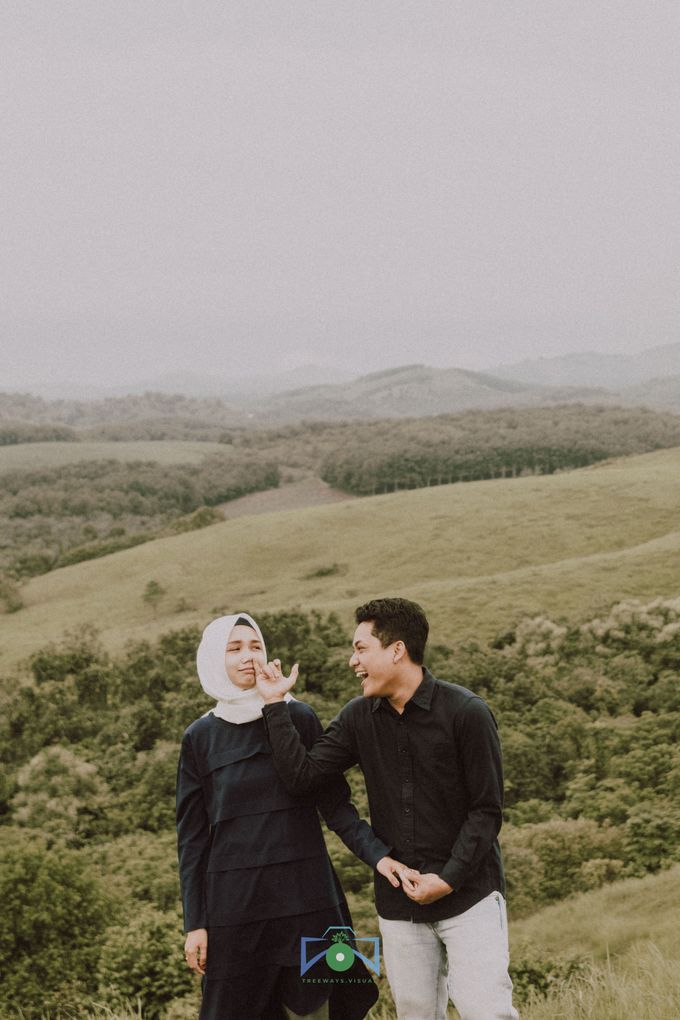Bayu & Dyni Post-Wedding by treeways.visual - 005