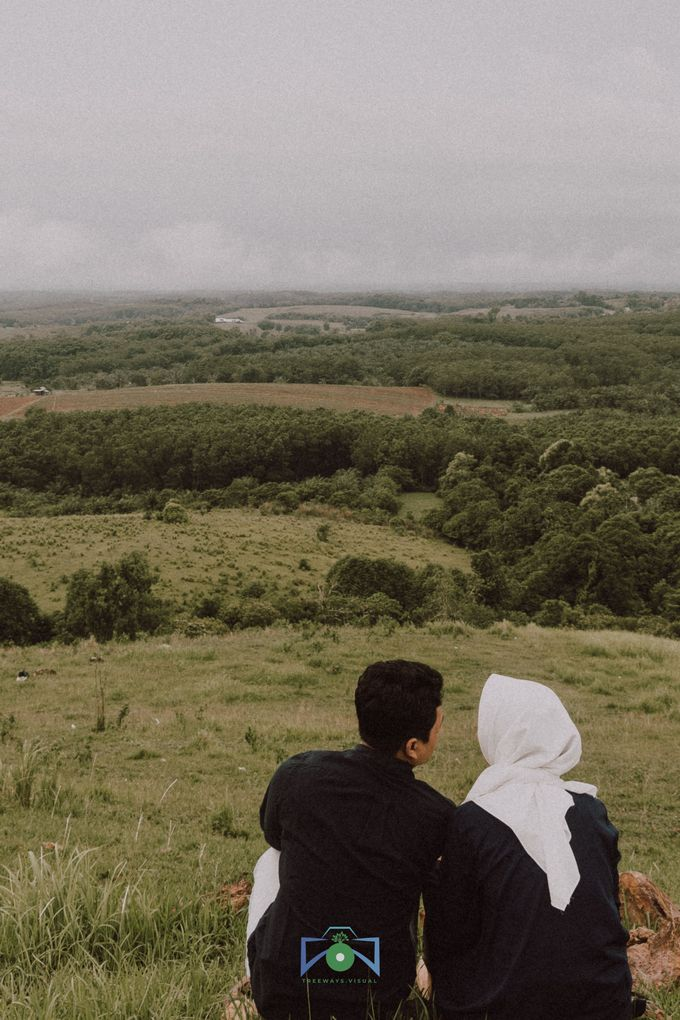 Bayu & Dyni Post-Wedding by treeways.visual - 006