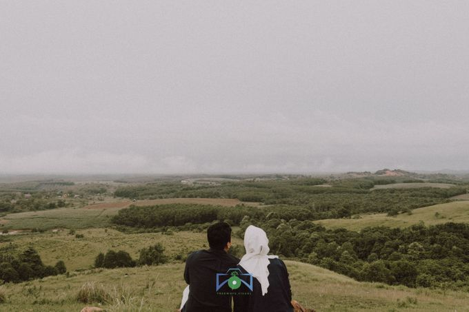 Bayu & Dyni Post-Wedding by treeways.visual - 007