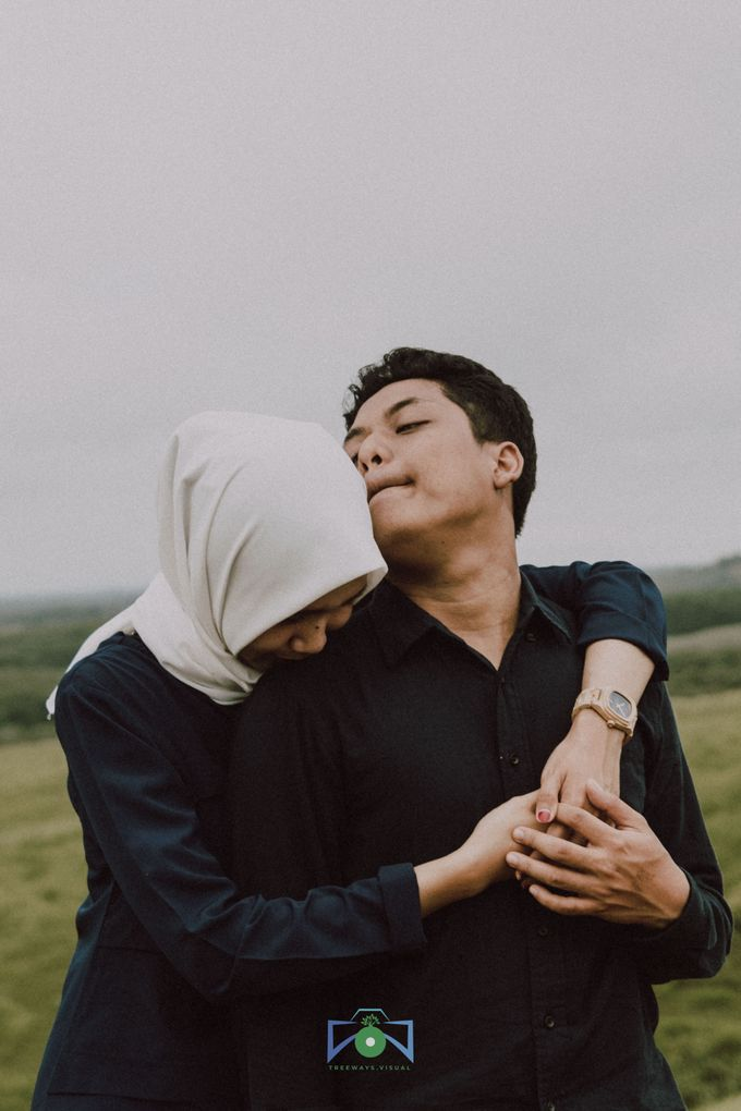Bayu & Dyni Post-Wedding by treeways.visual - 010