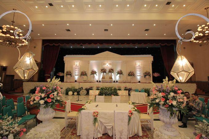 Ria + Ivan by KATA Wedding Planner And Organizer - 005