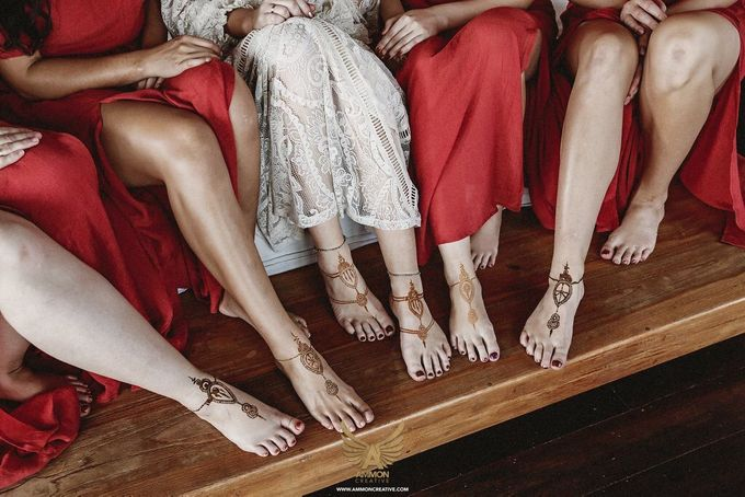 Henna on Feet for Bride and Bridesmaids by Nirvana Henna by Shinta - 001