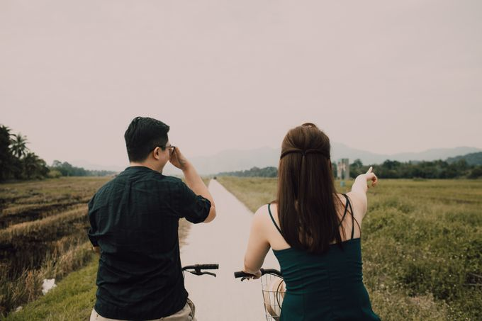 Casual engagement shoot by Amelia Soo photography - 007