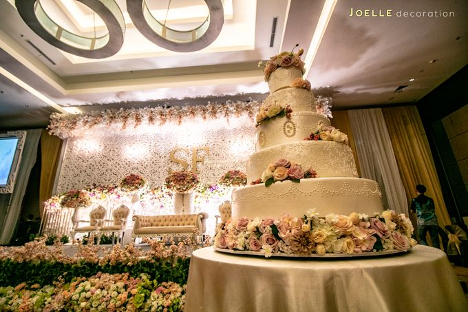 Love makes Impossible Possible by Joelle Decoration - 005