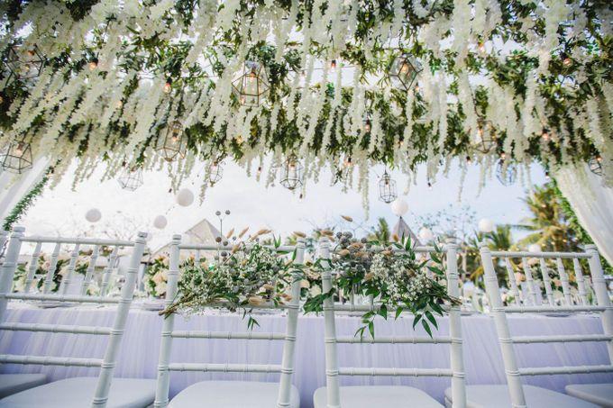 Elegant alfresco greenery wedding at The Royal Santrian by Silverdust Decoration - 005