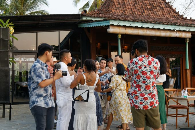 Ayla Dimitri & Rama Wedding at Atlantis Beach Club by Plataran Indonesia - 005