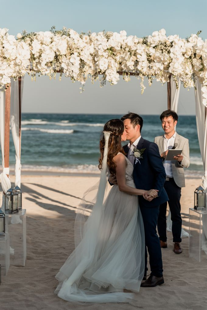 Beautiful Seashore Wedding of Loretta & Felix by Silverdust Decoration - 028