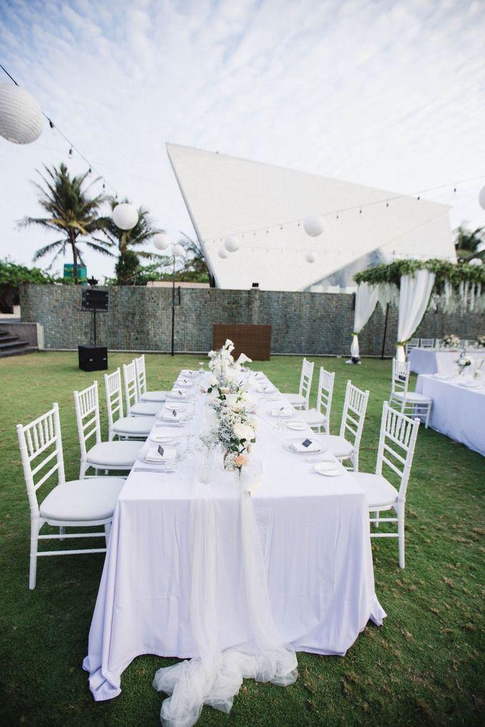 Elegant alfresco greenery wedding at The Royal Santrian by Silverdust Decoration - 007