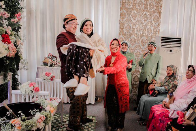 Togetherness together Vidya & Angga by Arum Ndalu Sanggar Rias Pengantin - 002