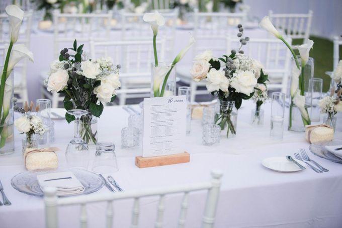 Elegant alfresco greenery wedding at The Royal Santrian by Silverdust Decoration - 010
