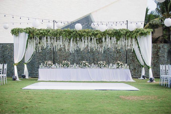 Elegant alfresco greenery wedding at The Royal Santrian by Silverdust Decoration - 011