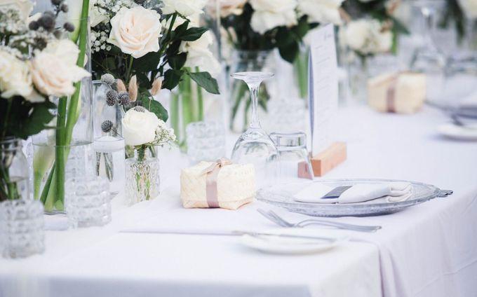 Elegant alfresco greenery wedding at The Royal Santrian by Silverdust Decoration - 013