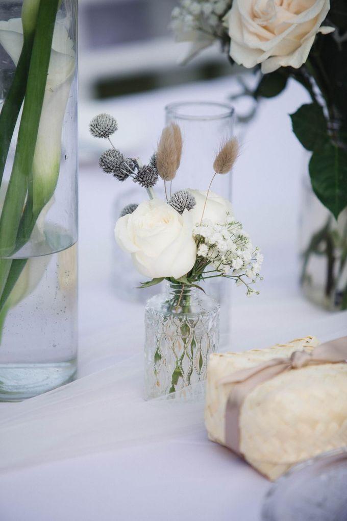 Elegant alfresco greenery wedding at The Royal Santrian by Silverdust Decoration - 014