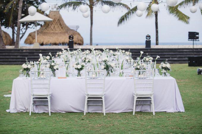 Elegant alfresco greenery wedding at The Royal Santrian by Silverdust Decoration - 016