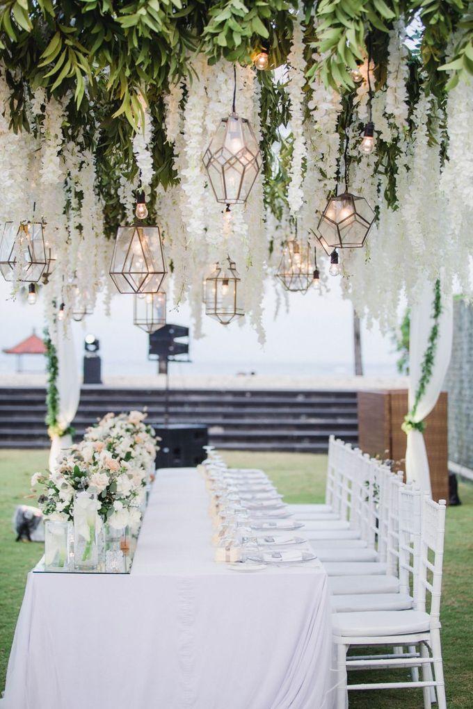 Elegant alfresco greenery wedding at The Royal Santrian by Silverdust Decoration - 018