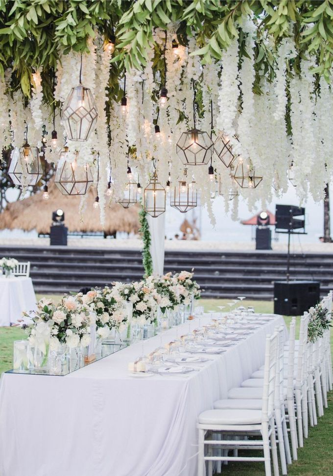 Elegant alfresco greenery wedding at The Royal Santrian by Silverdust Decoration - 019
