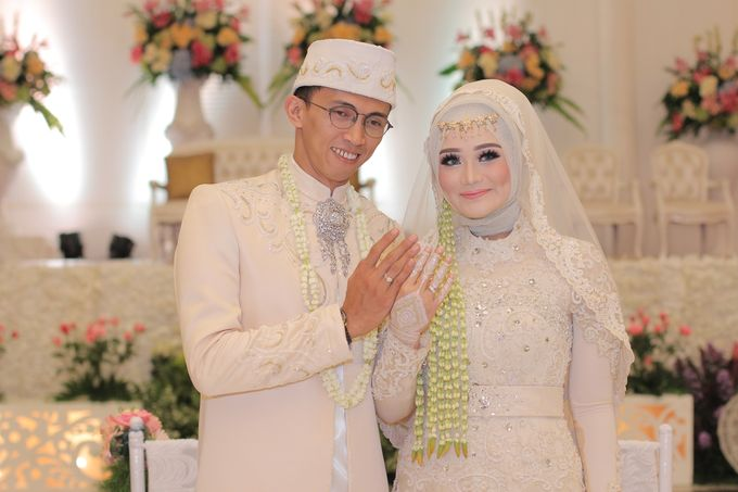 Ria + Ivan by KATA Wedding Planner And Organizer - 011