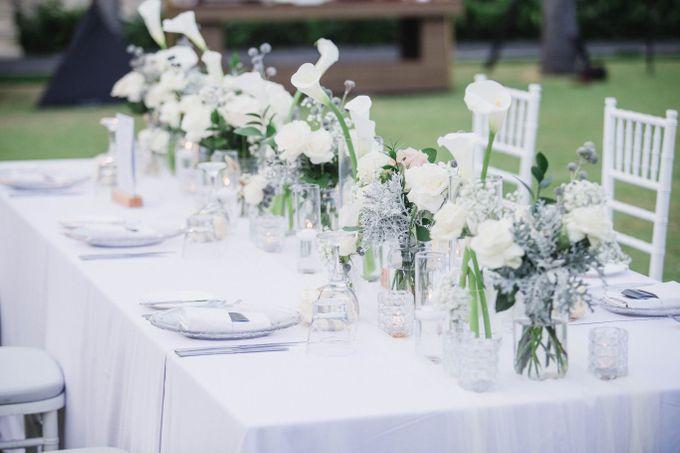 Elegant alfresco greenery wedding at The Royal Santrian by Silverdust Decoration - 021