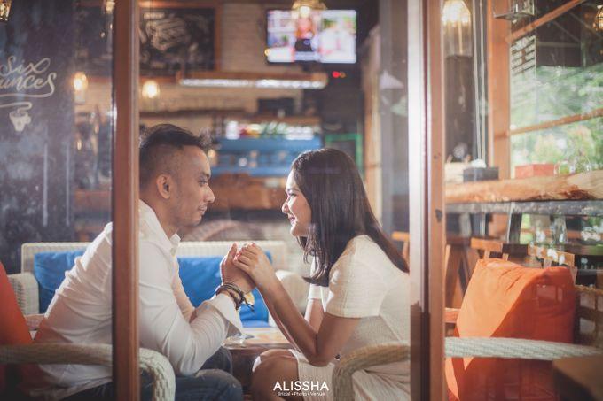Prewedding of Dinda-Kristianto at Alissha & Six Ounces Coffee by Alissha Bride - 008