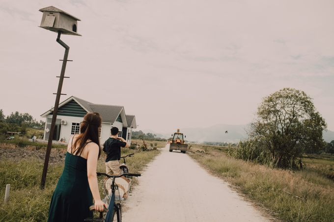 Casual engagement shoot by Amelia Soo photography - 030