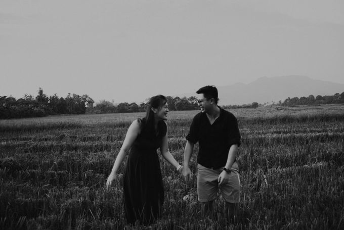 Casual engagement shoot by Amelia Soo photography - 035