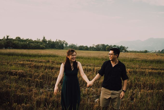 Casual engagement shoot by Amelia Soo photography - 036