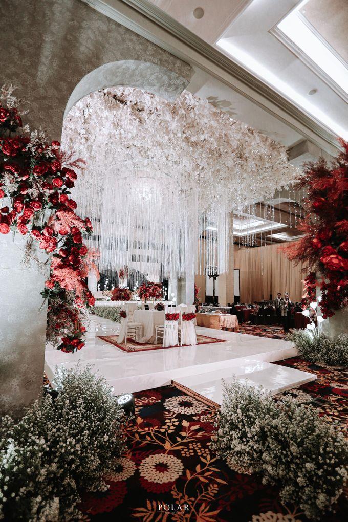 Wedding of Agung & Keyshalla at Trans Convention Center by Valentine Wedding Decoration - 009