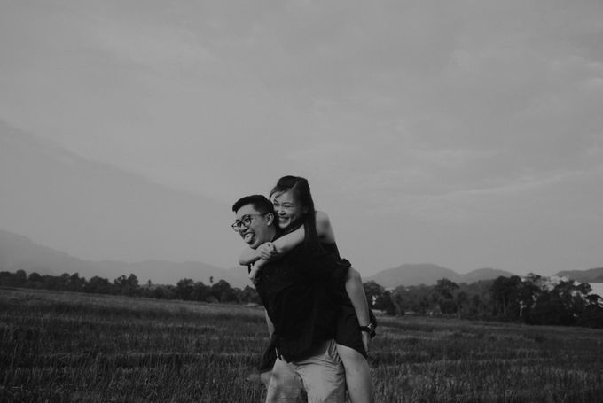 Casual engagement shoot by Amelia Soo photography - 039