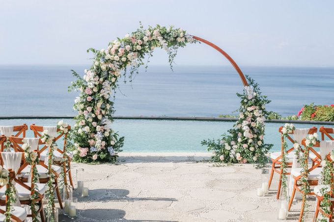 Rustic Alfresco Clifftop Wedding at Bayuh Sabbah Villa - Bali by Silverdust Decoration - 013