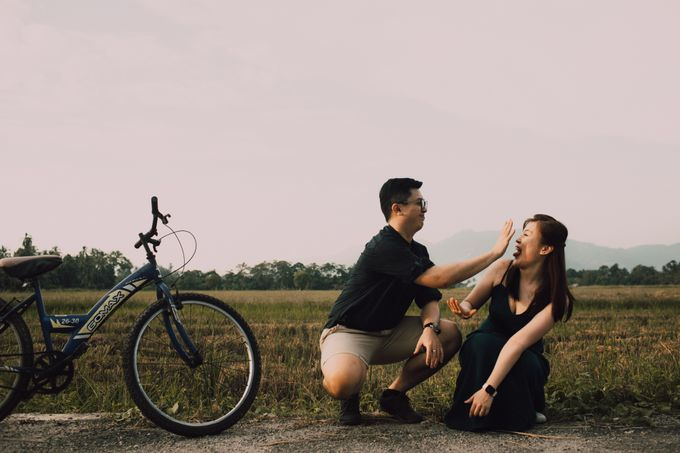Casual engagement shoot by Amelia Soo photography - 040