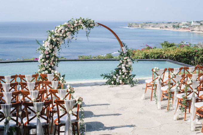 Rustic Alfresco Clifftop Wedding at Bayuh Sabbah Villa - Bali by Silverdust Decoration - 014
