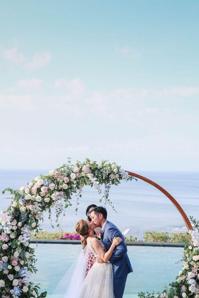 Rustic Alfresco Clifftop Wedding at Bayuh Sabbah Villa - Bali by Silverdust Decoration - 019