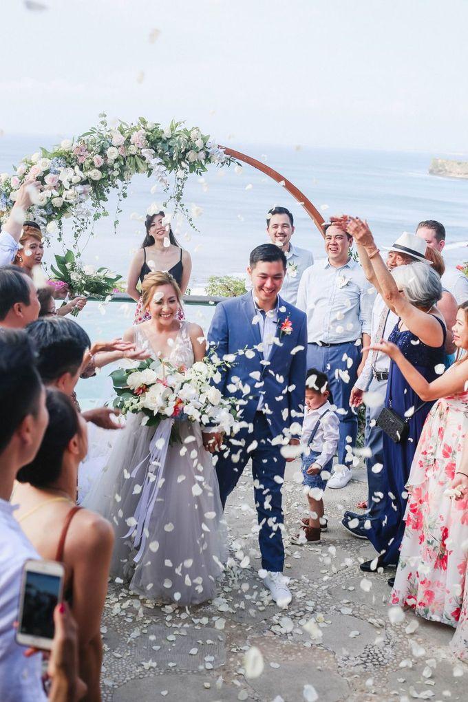 Rustic Alfresco Clifftop Wedding at Bayuh Sabbah Villa - Bali by Silverdust Decoration - 020