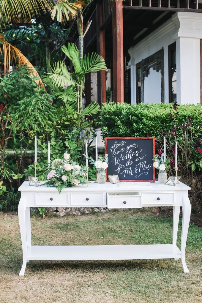 Rustic Alfresco Clifftop Wedding at Bayuh Sabbah Villa - Bali by Silverdust Decoration - 022