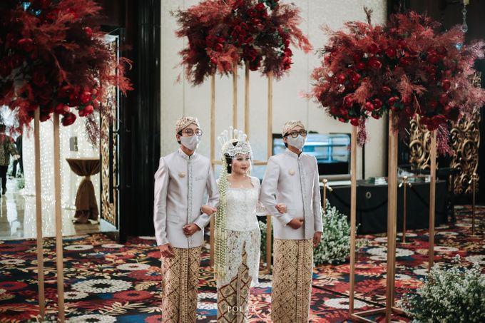 Wedding of Agung & Keyshalla at Trans Convention Center by Valentine Wedding Decoration - 014