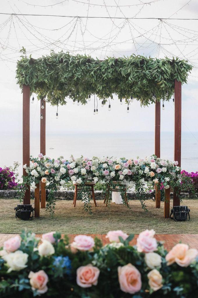 Rustic Alfresco Clifftop Wedding at Bayuh Sabbah Villa - Bali by Silverdust Decoration - 027