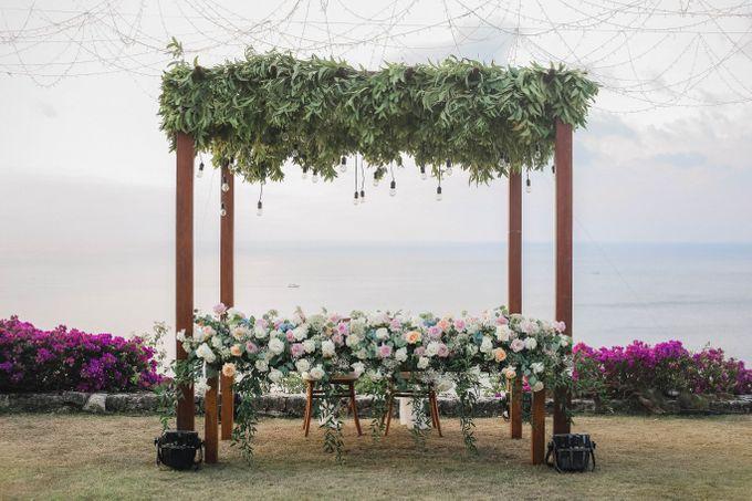 Rustic Alfresco Clifftop Wedding at Bayuh Sabbah Villa - Bali by Silverdust Decoration - 028