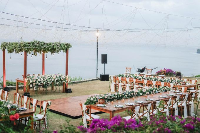 Rustic Alfresco Clifftop Wedding at Bayuh Sabbah Villa - Bali by Silverdust Decoration - 032