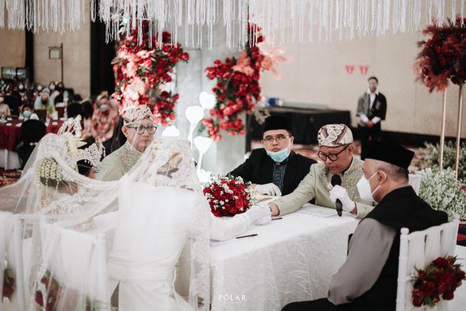 Wedding of Agung & Keyshalla at Trans Convention Center by Valentine Wedding Decoration - 016
