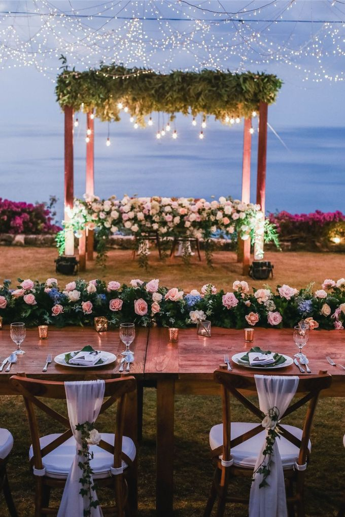 Rustic Alfresco Clifftop Wedding at Bayuh Sabbah Villa - Bali by Silverdust Decoration - 003
