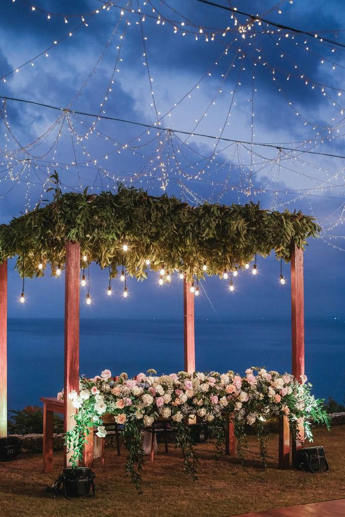 Rustic Alfresco Clifftop Wedding at Bayuh Sabbah Villa - Bali by Silverdust Decoration - 005