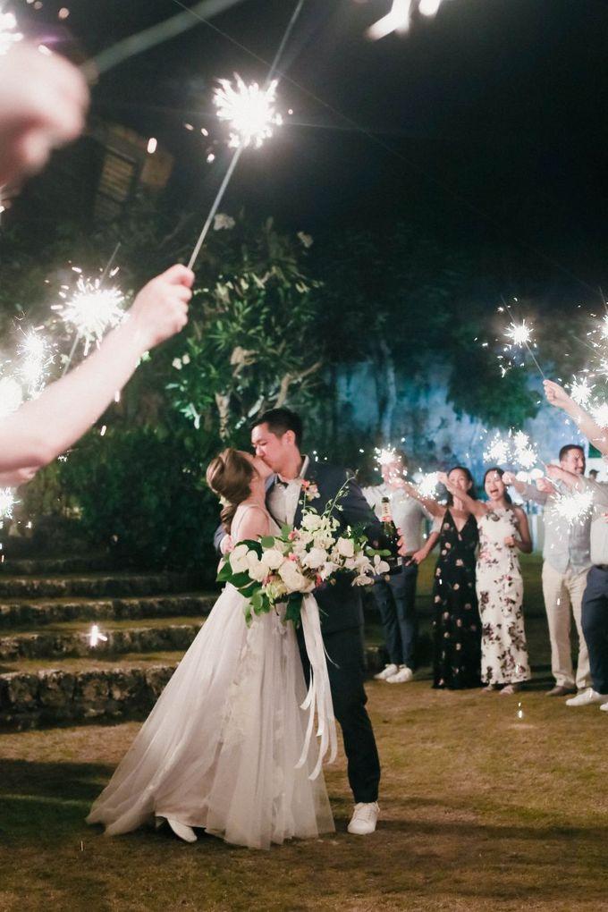 Rustic Alfresco Clifftop Wedding at Bayuh Sabbah Villa - Bali by Silverdust Decoration - 010