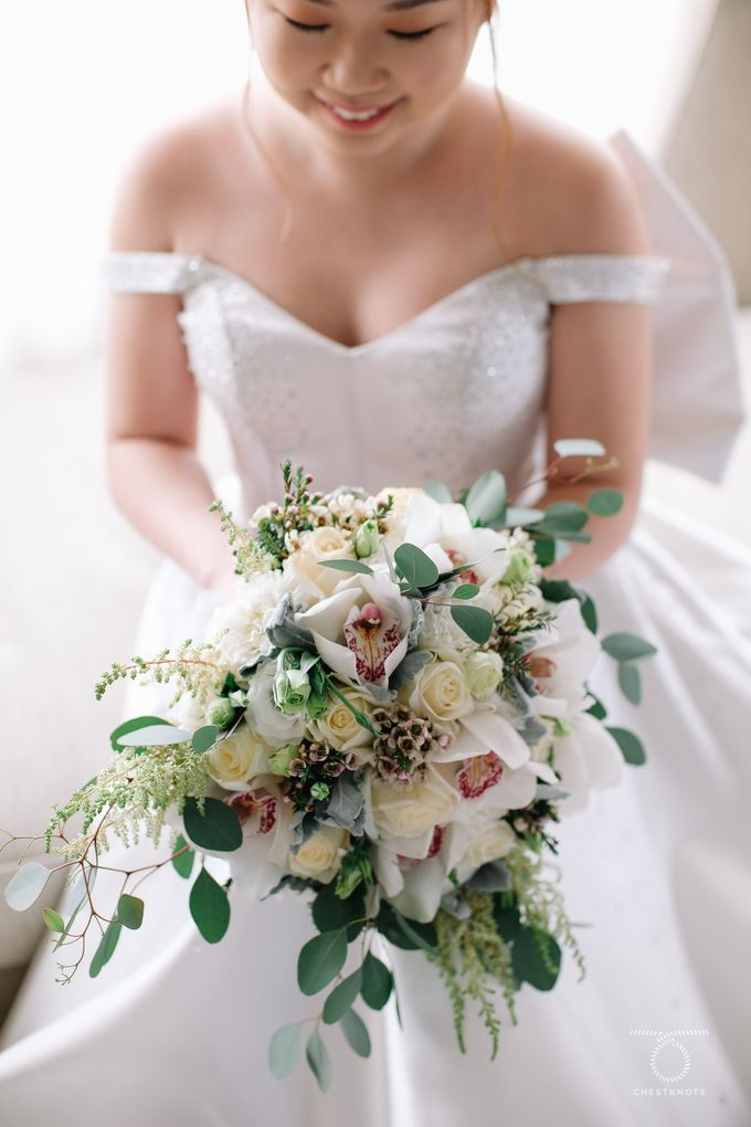 Bridal Bouquets by Natural Art Flowers and Decors - 010