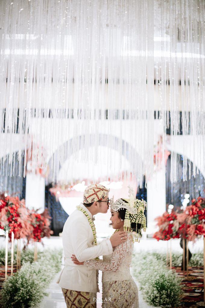 Wedding of Agung & Keyshalla at Trans Convention Center by Valentine Wedding Decoration - 017