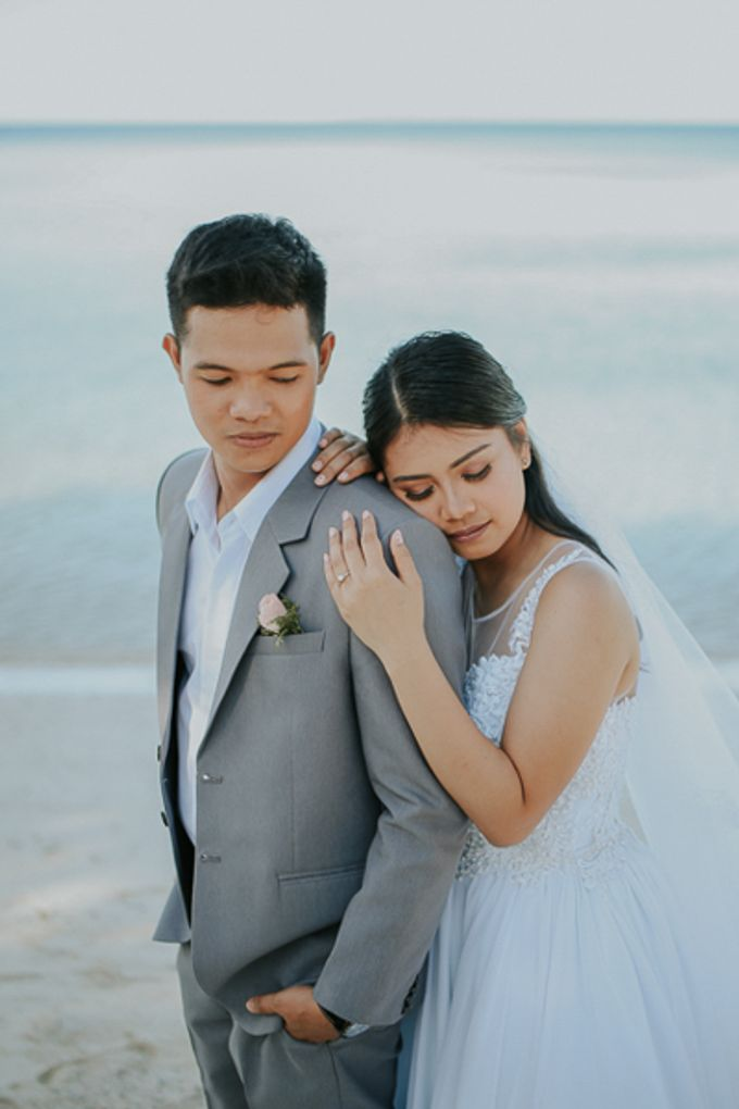 Renz & Jenn Beach Wedding in Romblon by The Fortnight Studios - 005