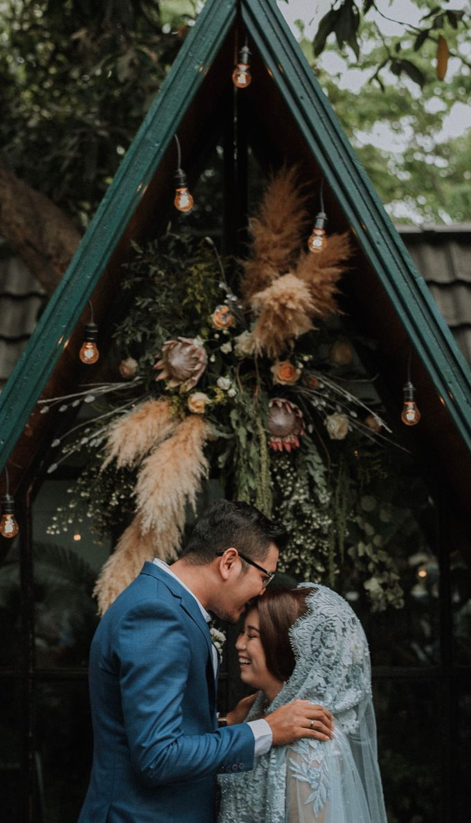 The Wedding of Anjwn & Wahyudin by Daydreaming Works - 001