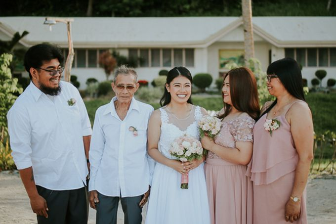 Renz & Jenn Beach Wedding in Romblon by The Fortnight Studios - 020