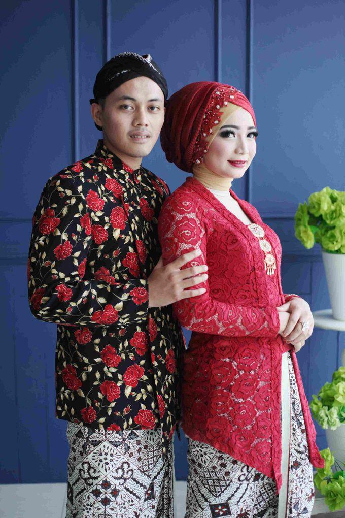 Prewedding Session Indoor Fungky + Ardilla by Coklat Photo Surabaya - 005