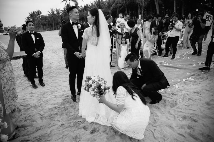 Cath and Sid wedding day in Hoi An Vietnam | Ruxat Vietnam wedding photographer by Anh Phan Photographer | vietnam weddng photographer - 041